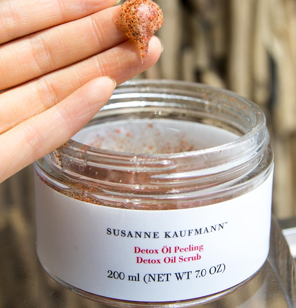 A Detoxifying & Skin Repairing Organic Body Scrub – Susanne Kaufmann Detox Oil Scrub Review