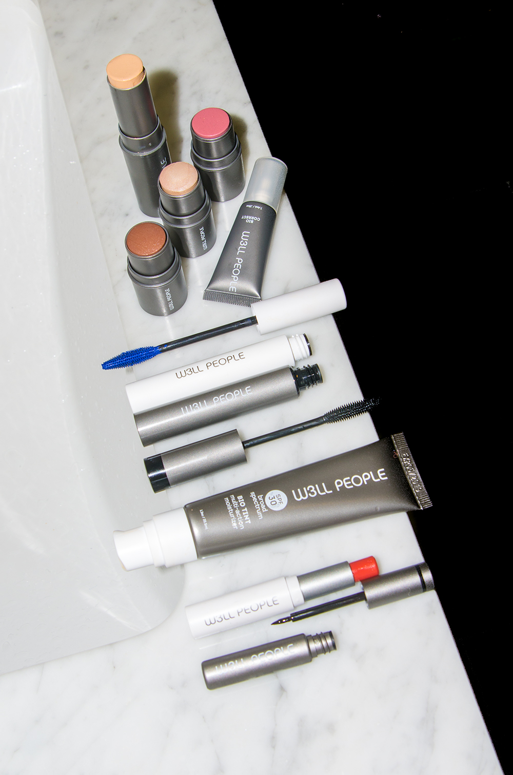 W3LL People Is Making Organic Makeup Egalitarian  – Full Review